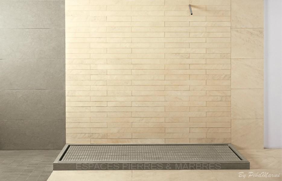 Bains d co les bacs douche espaces pierres marbres for Douche deco