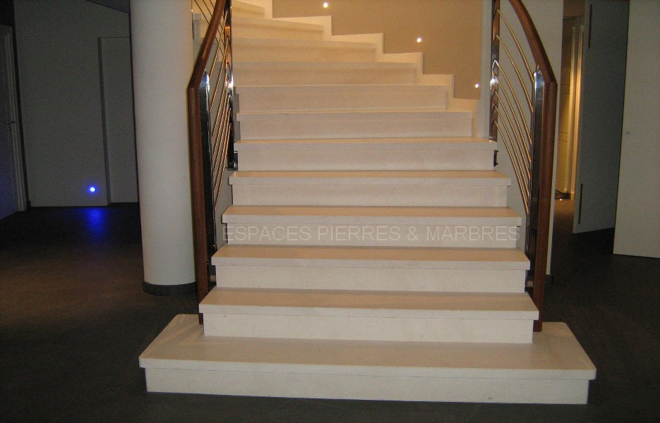 habillage escalier beton exterieur fabulous entreprise de pierres naturelles bury escaliers. Black Bedroom Furniture Sets. Home Design Ideas